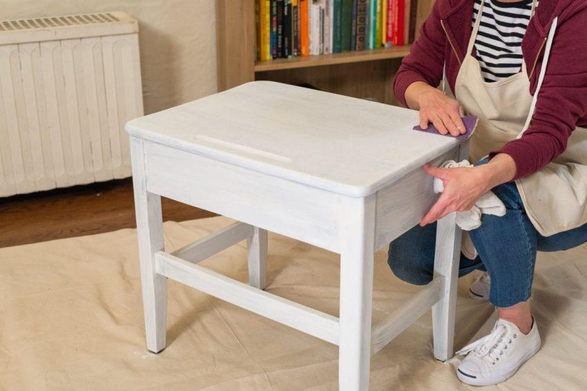 Repeindre un vieux meuble est plus économique que d'acheter du neuf