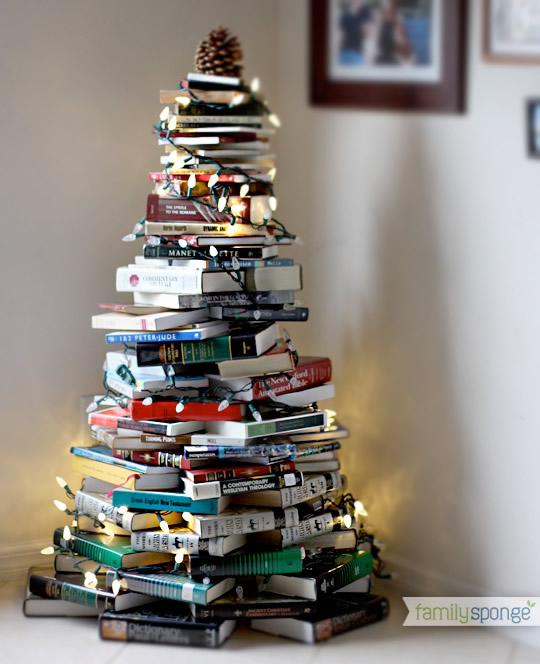 Sapin de Noël réalisé avec des livres